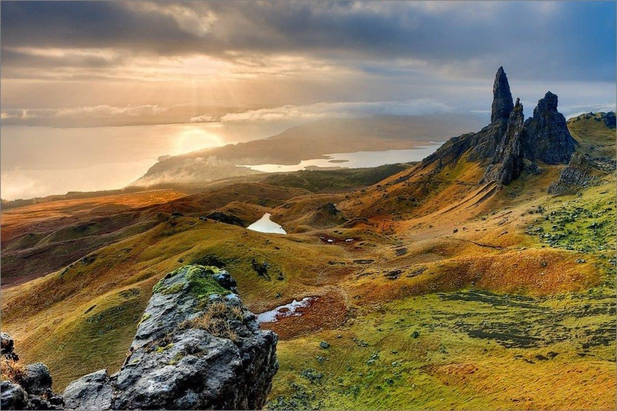 Photo de l'Isle de Skye en Ecosse au lever du soleil